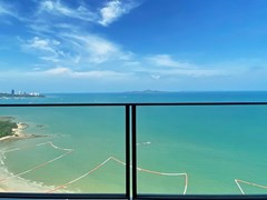Condominium for rent Northpoint Pattaya showing the balcony view