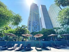 Condominium for rent Northpoint Pattaya showing the pool and condo building