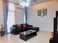 House for sale East Pattaya showing the living room concept