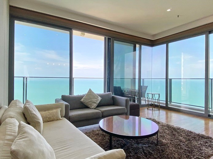 Condominium for rent Northpoint Pattaya showing the living area with sea view