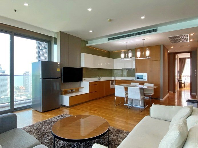 Condominium for rent Northpoint Pattaya showing the living, dining and kitchen areas