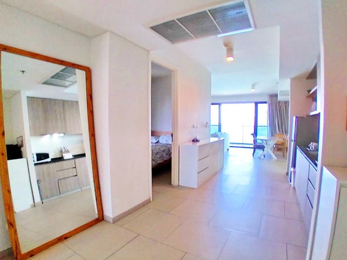 Condominium for rent Wong Amat Pattaya showing the open plan concept