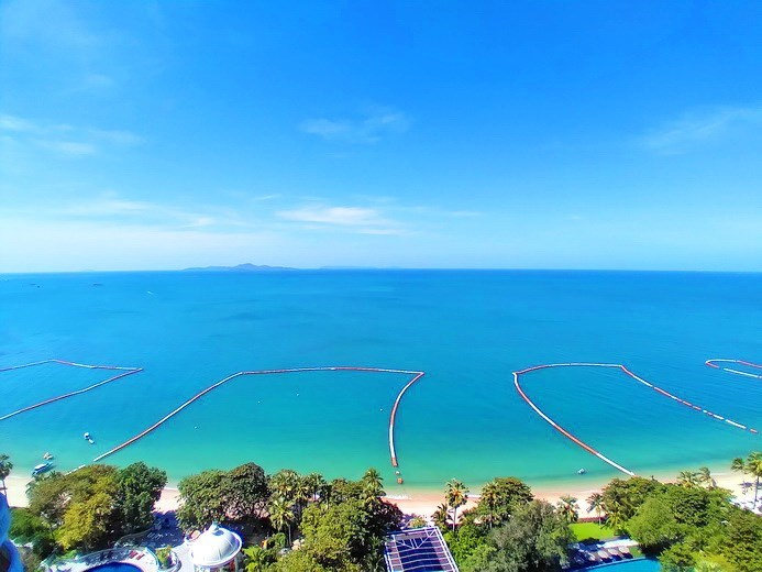 Condominium for rent Wong Amat Pattaya showing the sea view